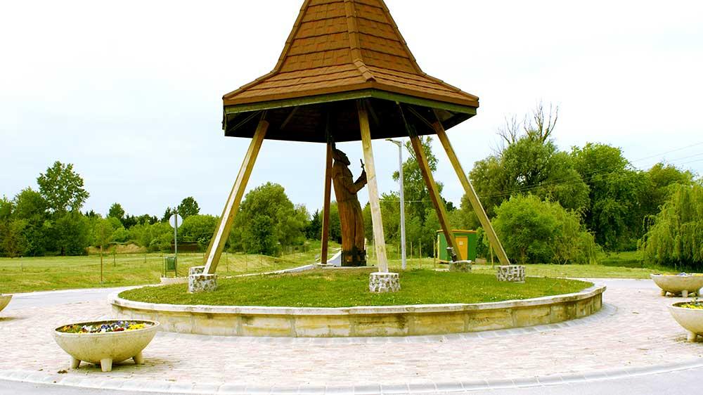 Boldog Özséb szobor