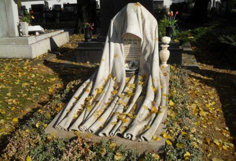 Bujtor István síremléke