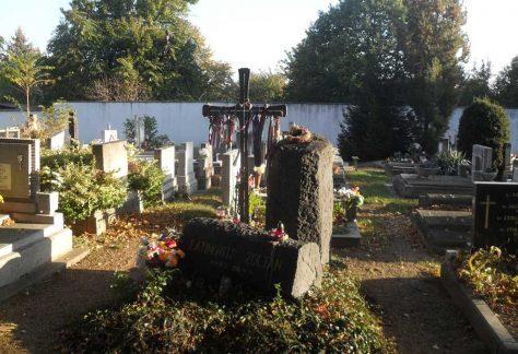 Latinovits Zoltán síremlék