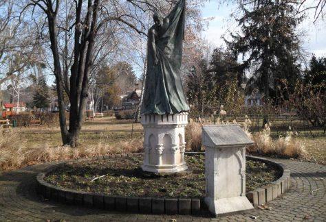 Latinovits Zoltán szobor