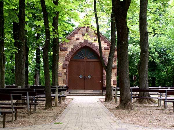 Szabadtéri kápolna